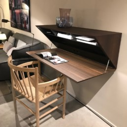 Bureau Segretto - Molteni - Design Ron Gilad