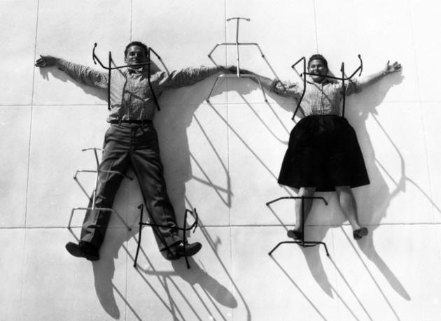 Photo de Charles et Ray Eames